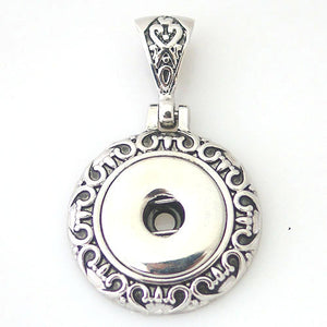 Queen Pendant - Mya Grace - Snap Jewelry