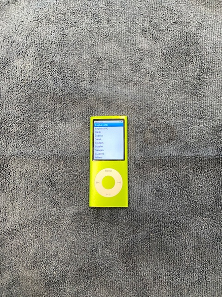 Apple Ipod Nano 4th Gen 8GB Green-  USED