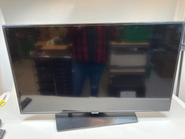"Samsung 678u 4k (2160p) 43"" Non-Smart TV w/ Remote Used"