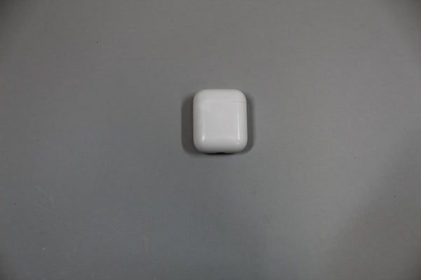 Apple Airpods 2nd Gen A1602 Replacement Charging Case OnlY (NOT WIRELESS) --Used