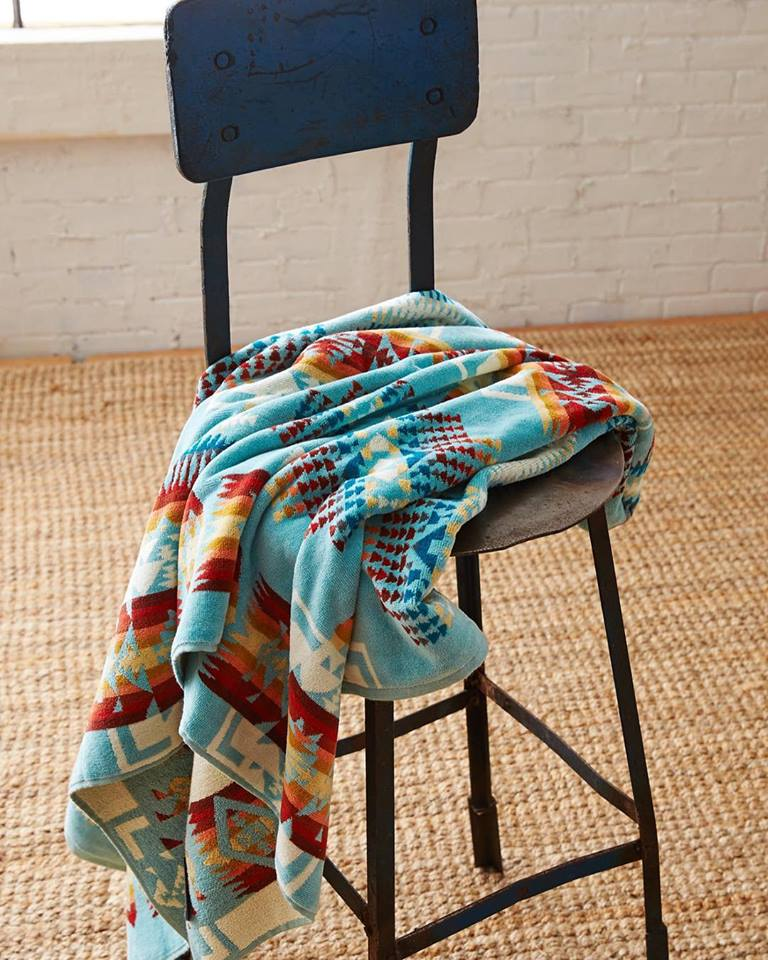 Iconic Jacquard Towel | Chief Joseph Aqua