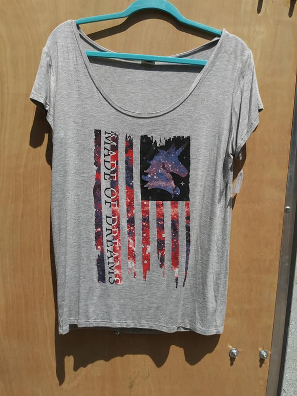 Grey Cotton Scoop round neck Tee Shirt with Unicorn Usa Flag says Made of Dreams.
