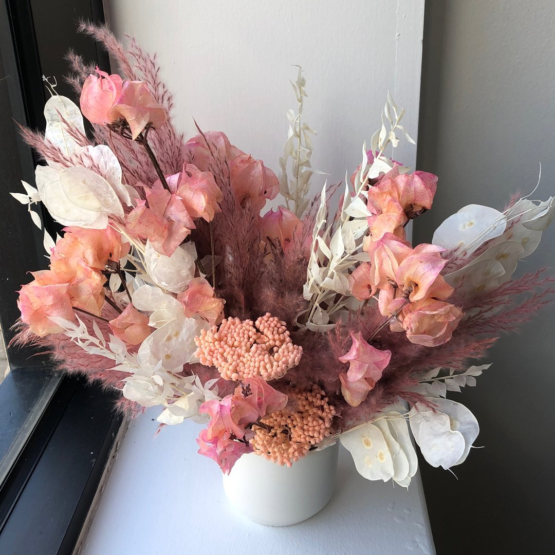 Petite Dried Floral Arrangement (delivery)