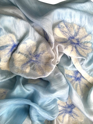7 SISTERS — SILK & FELTED WOOL BLUE & WHITE OMBRE FLOWER-PATTERNED LONG SCARF/SHAWL