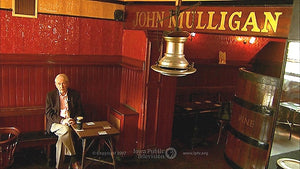 Frank McCourt, host of Historic Pubs of Dublin, at Mulligan's