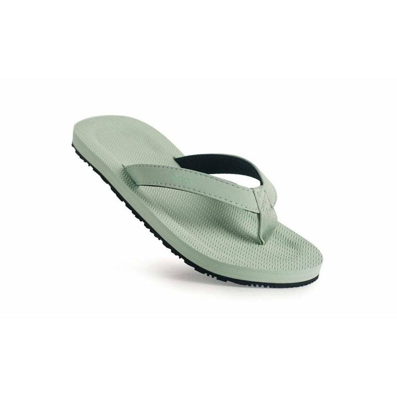 Groms ESSNTLS Flip Flops Light Leaf