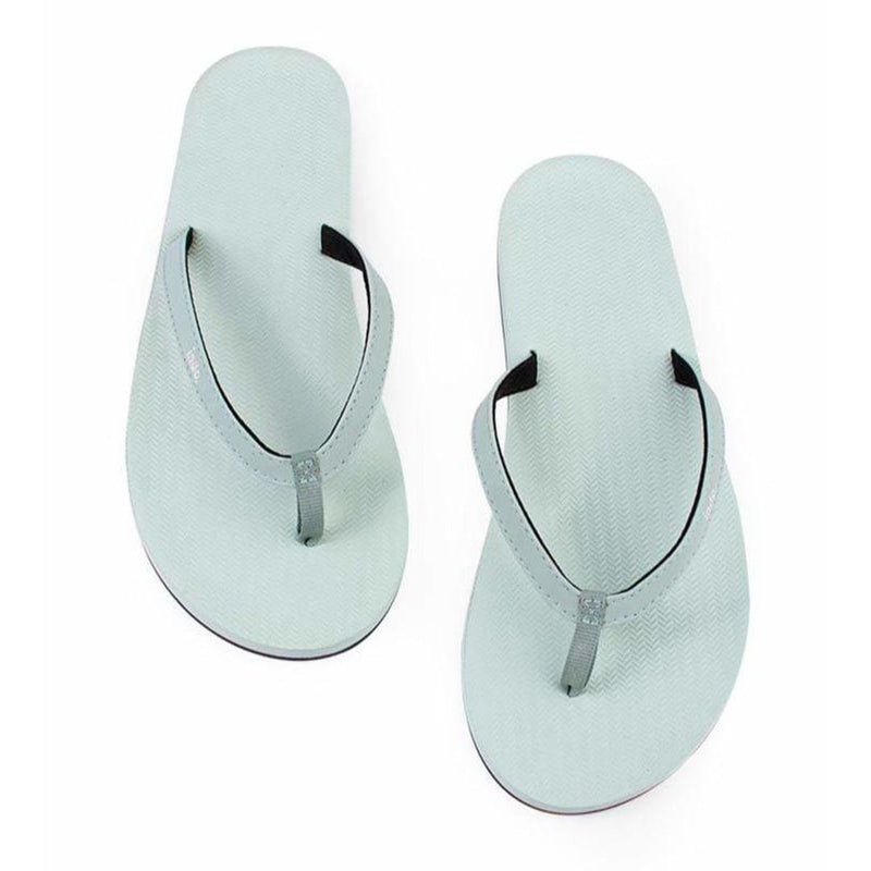 ESSNTLS Flip Flops Women Light Leaf