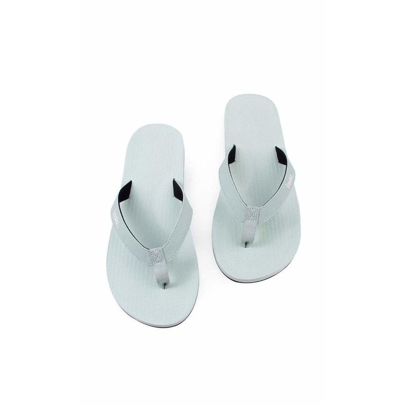 ESSNTLS Flip Flops Men Light Leaf