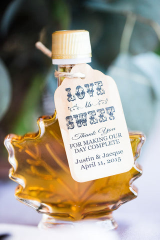 maple syrup wedding favors, maple syrup, maple syrup wedding favor, unique maple syrup wedding favor, itop 10 unique wedding favors, unique wedding favors, wedding favors