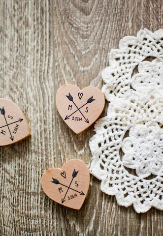 wooden magnet wedding favors, wooden magnet, wooden magnet wedding favor, unique wooden magnet wedding favor, top 10 unique wedding favors, unique wedding favors, wedding favors