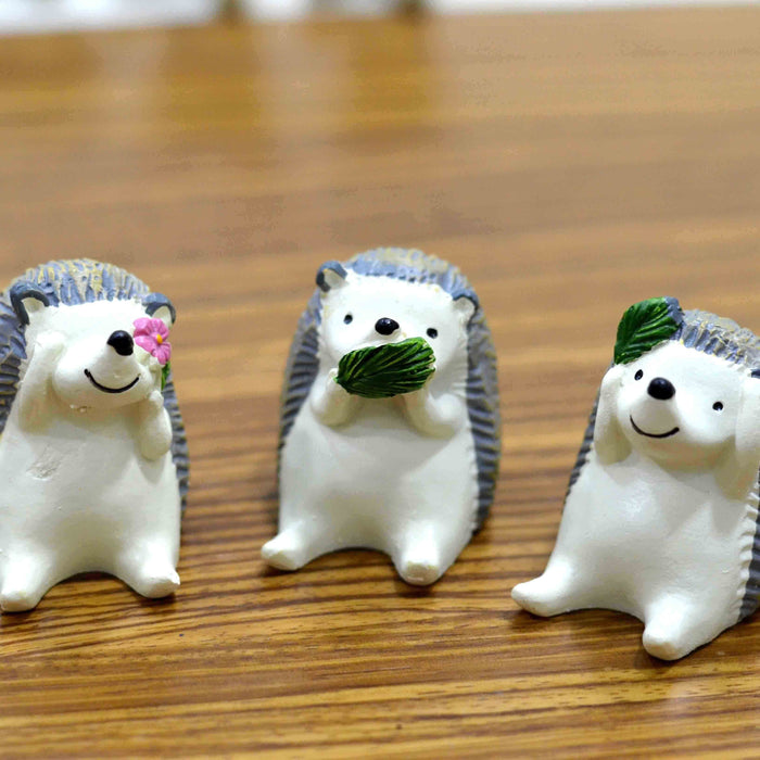 Cute and Attractive Resin made Miniatures Wise Baby Hedgehogs - My Star Gardens
