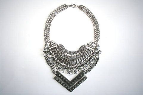 collier plastron rock
