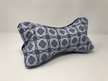 Laden Sie das Bild in den Galerie-Viewer, True Vibes Pillow FIRST EDITION #58