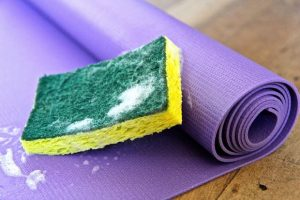 How to Wash a Yoga Mat if it Smells
