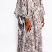 Load image into Gallery viewer, Florence Feathered Quartz Relaxed kaftan