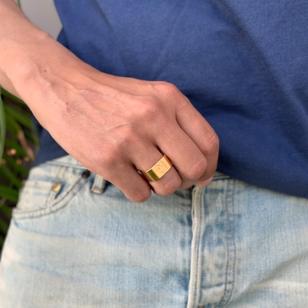 Signature ring Mens Gold Polished