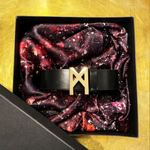 Load image into Gallery viewer, Signature Belt Gold / Black
