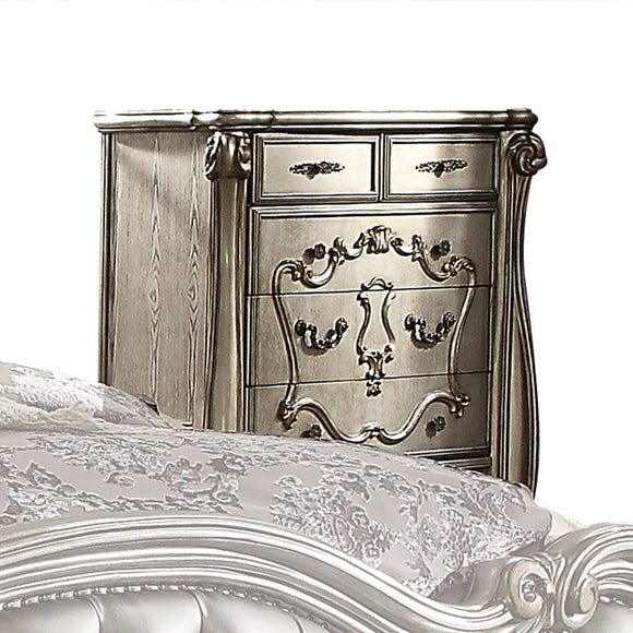 Versailles Antique Platinum Chest image