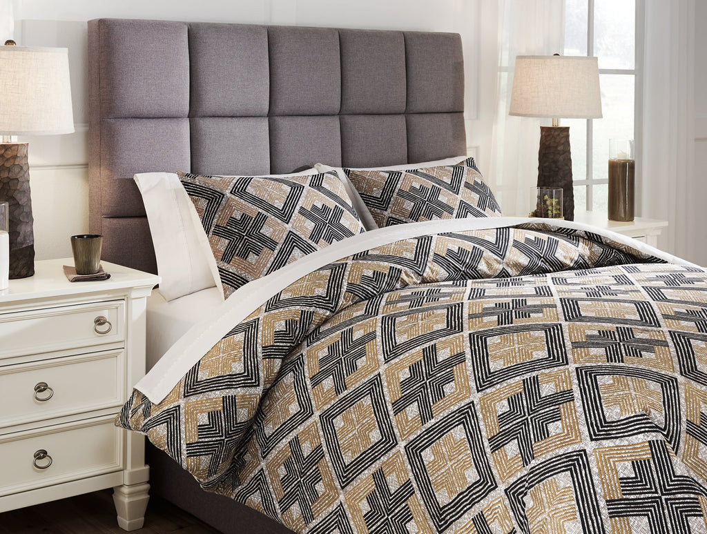 Scylla 3Piece King Comforter Set