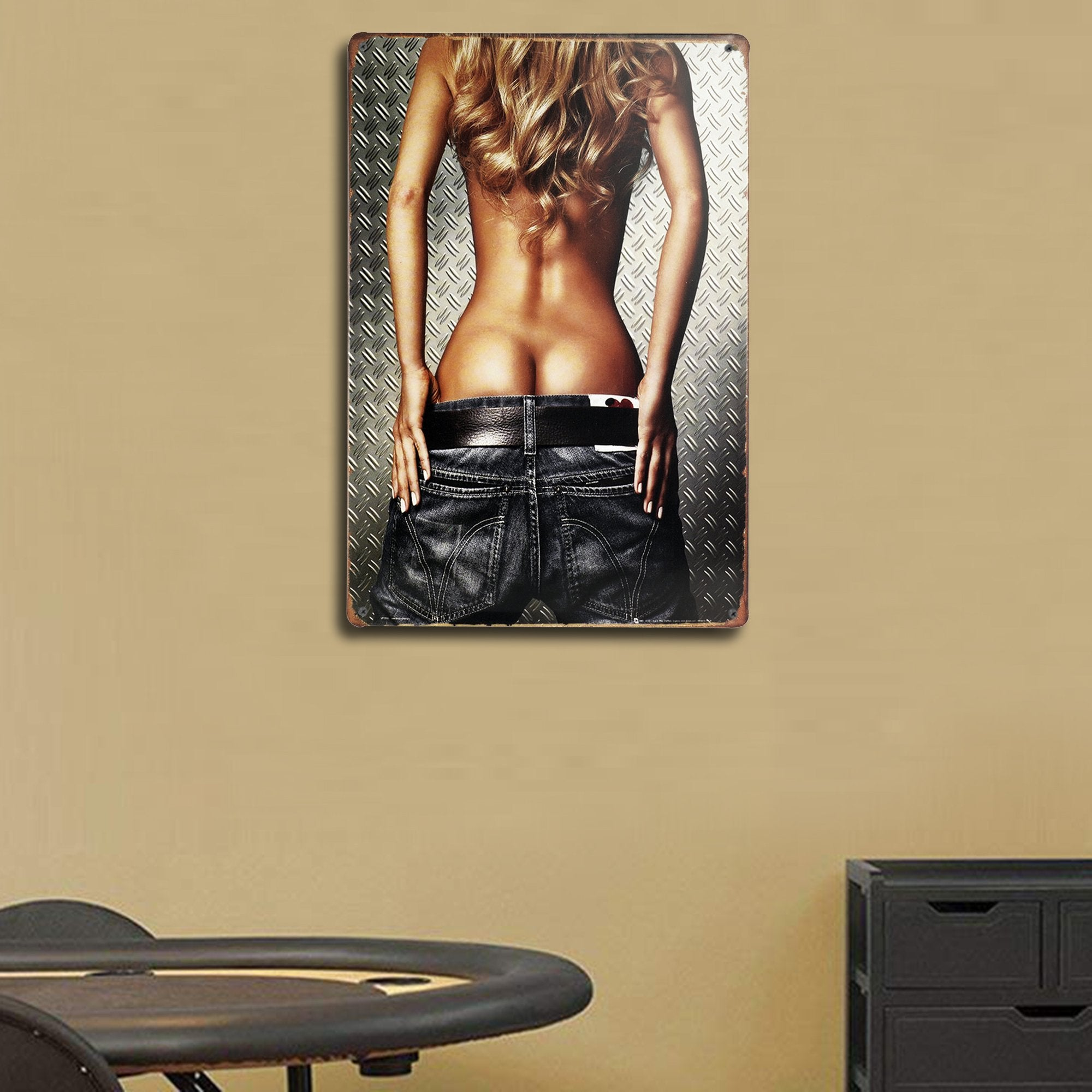Pin Up Girl Wall Plaque 2