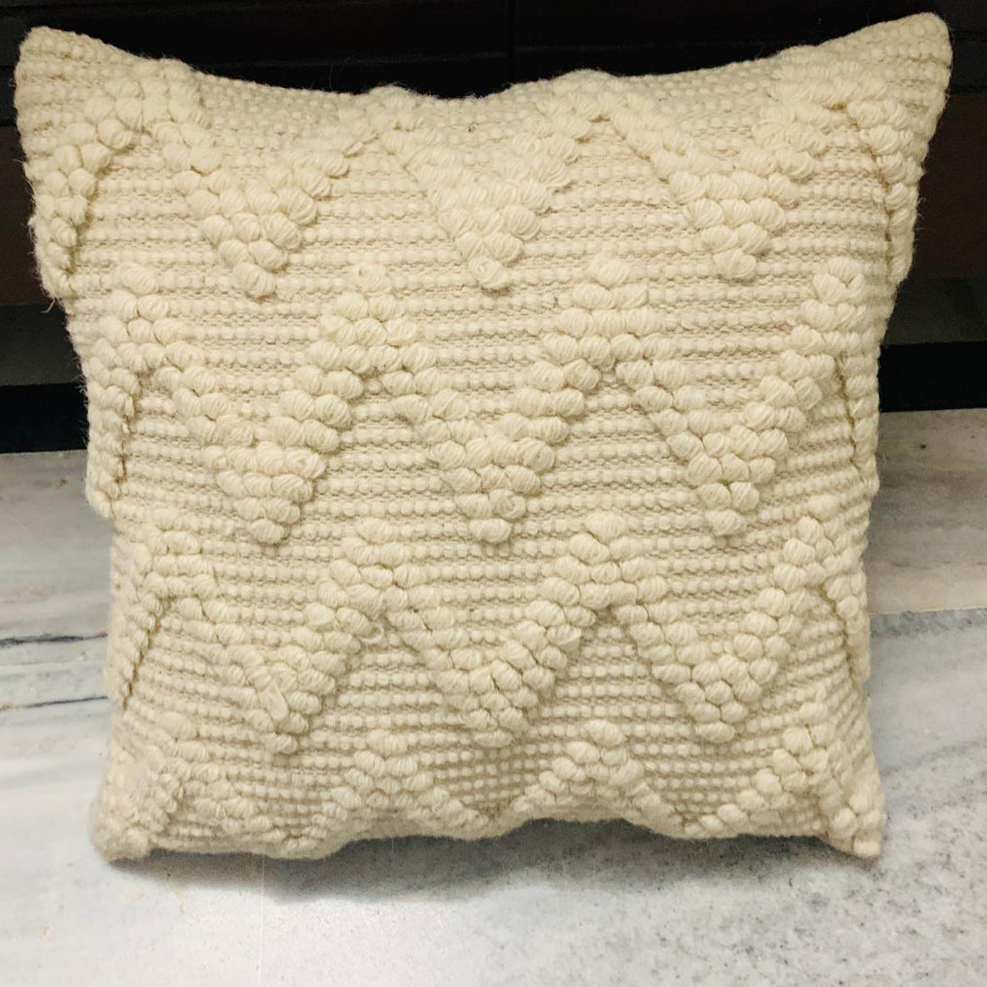 Zig-Zag Pattern Jute Fabric Cushion Cover