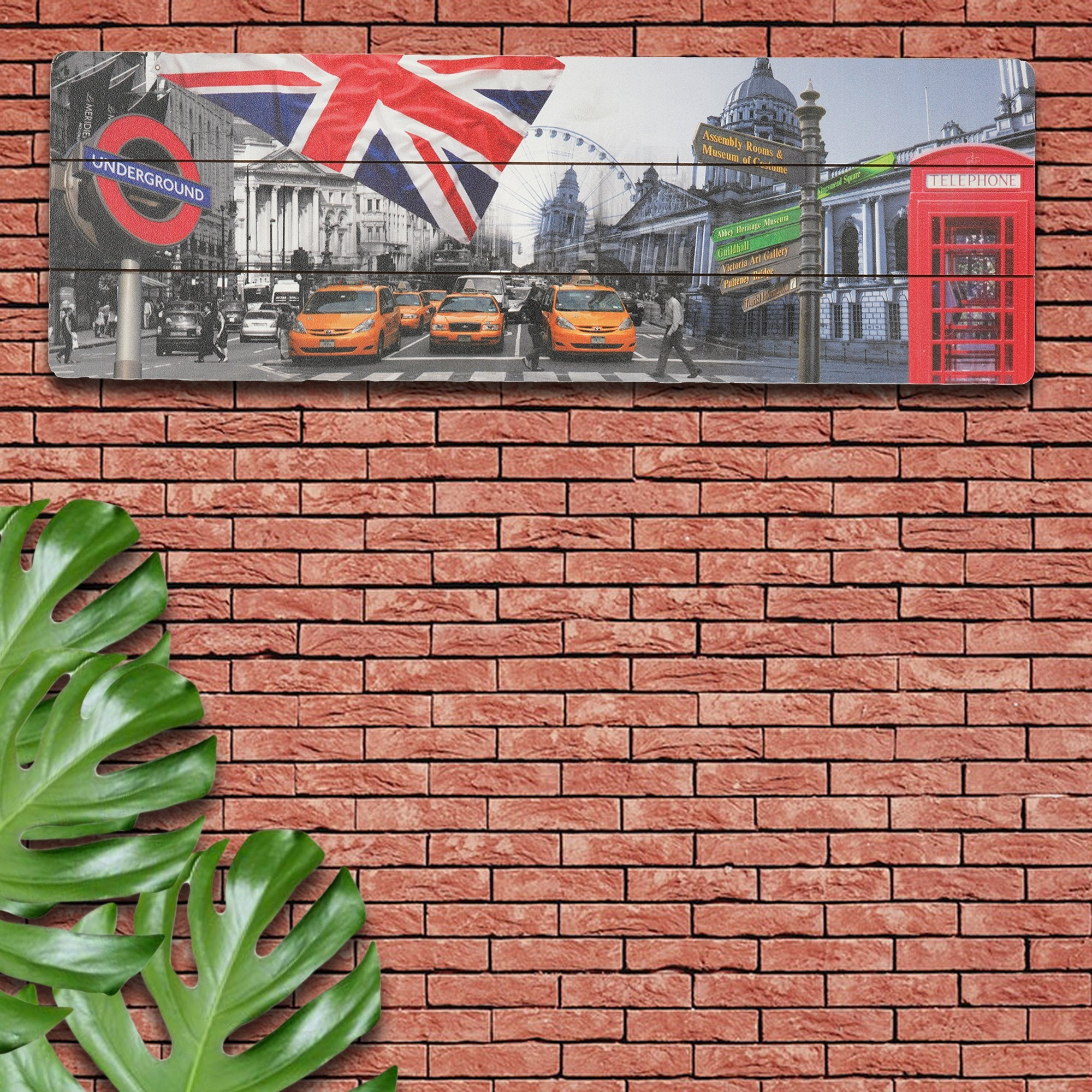 London Wall Plaque from Teaktale Home Decors