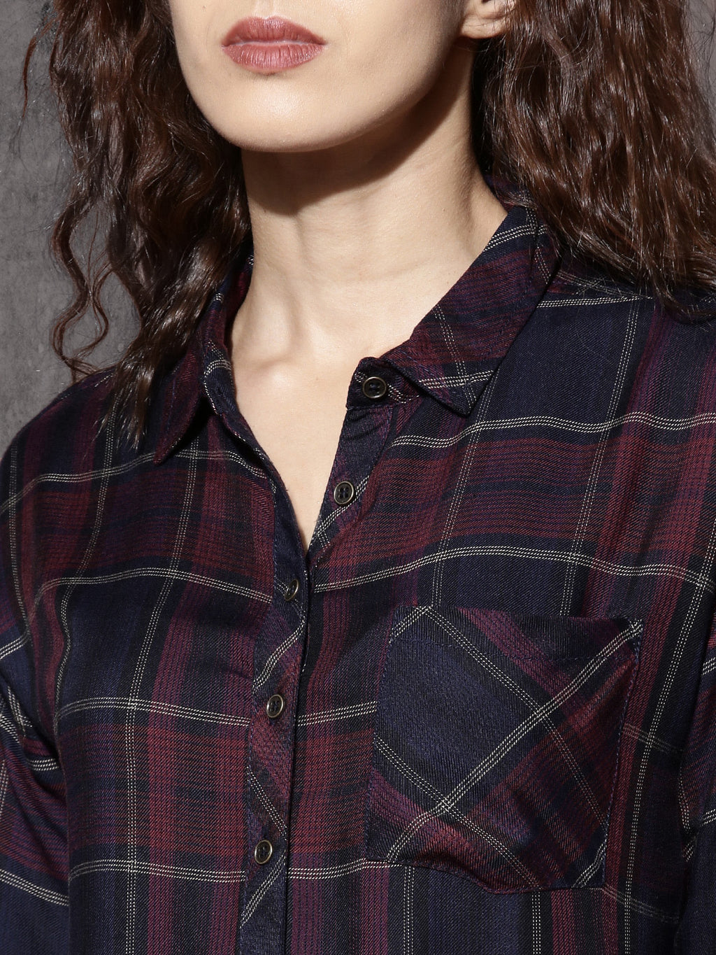 Time Travlr Women Navy & Red Checked Relaxed Boxy Fit Casual Shirt
