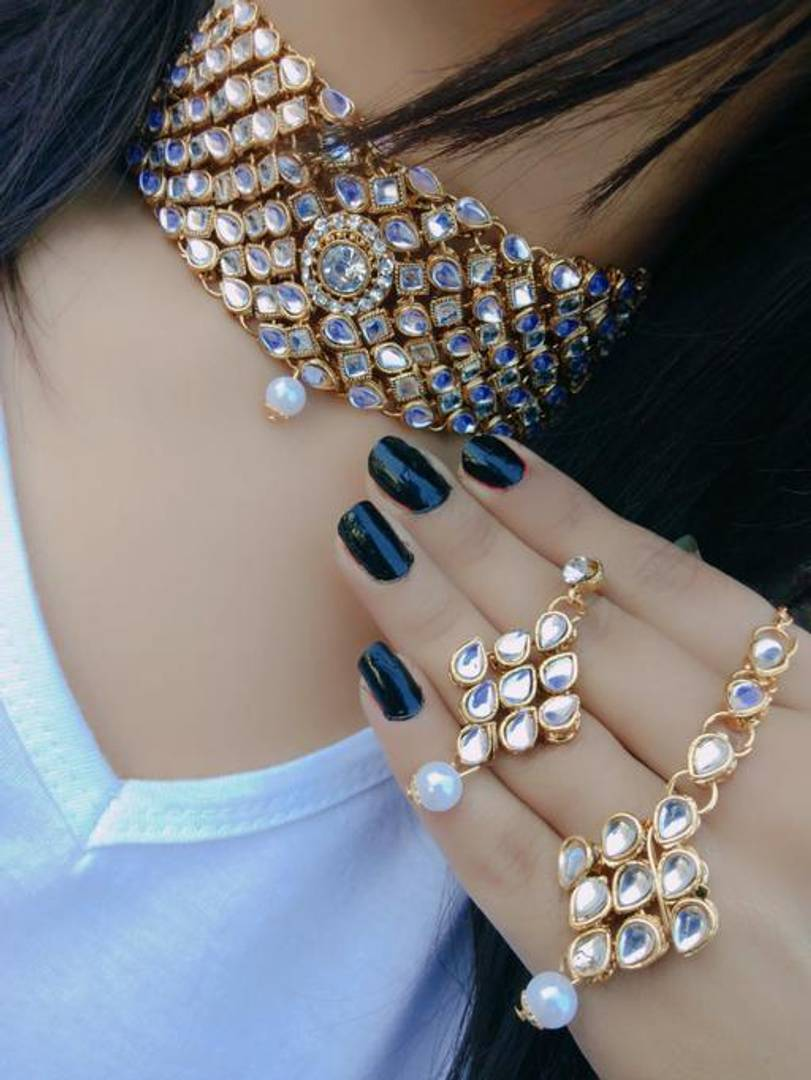 Trendy Kundan Necklace Set