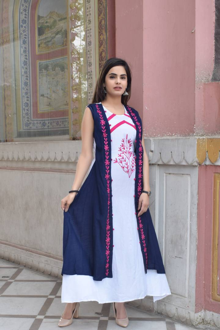 Elegant White Embroidered Rayon  Kurti For Women