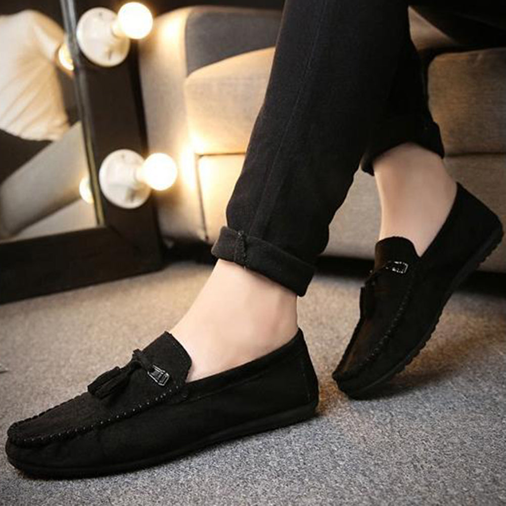 MilkySkinForever Tassel Suede Solid Color Slip-on Driving Shoes Men Round Toe Casual Flat Loafers