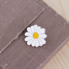 Load image into Gallery viewer, Fashion Beauty Flower Floral Brooch Pin Scarf Sweater Dress Decoration Gift