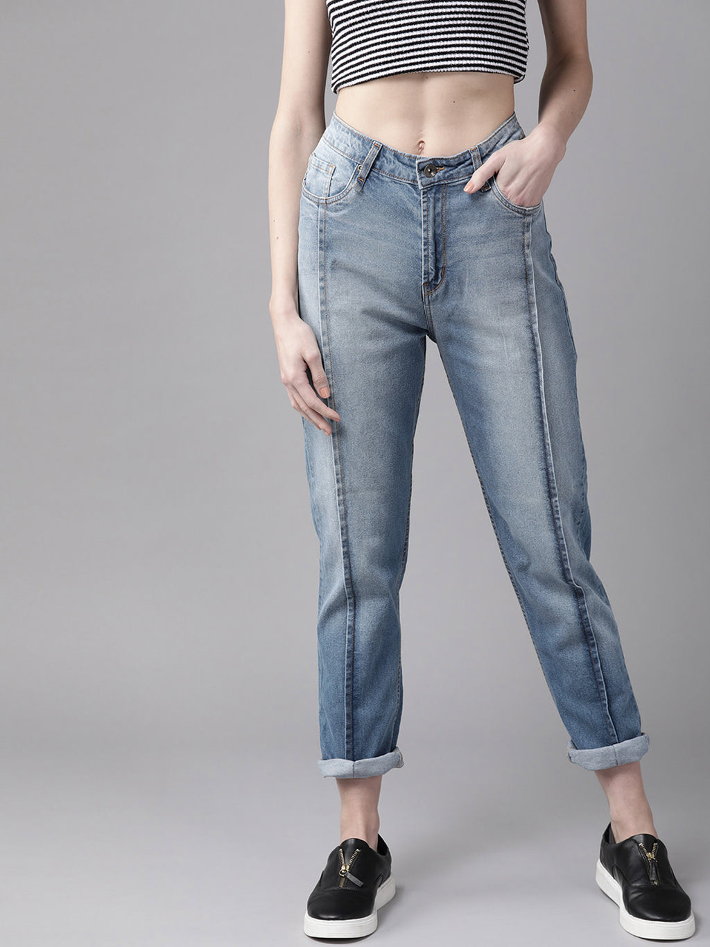 Women Blue Boyfriend Fit Mid-Rise Clean Look Stretchable Jeans