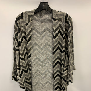 Primary Photo - BRAND: KORI AMERICA STYLE: SWEATER CARDIGAN LIGHTWEIGHT COLOR: CHEVRON SIZE: 1X OTHER INFO: GREY BLK SKU: 305-30527-31496