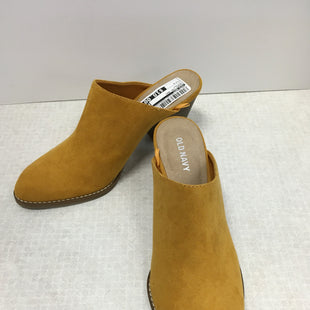 Primary Photo - BRAND: OLD NAVY STYLE: SHOES LOW HEEL COLOR: MUSTARD SIZE: 7 SKU: 305-30511-19575