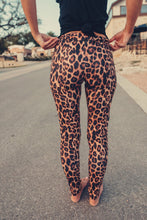 Load image into Gallery viewer, Ringmaster Leggings