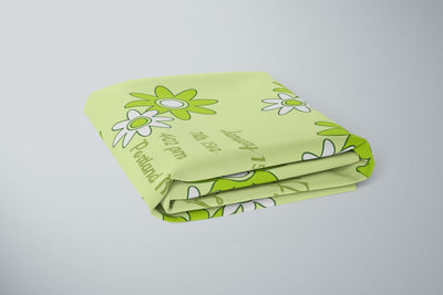 crib Daisies Palegreen - Name & Birth Stats - Personalized Fitted Crib Sheet - ZERO TO THREE CLUB crib