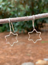 Load image into Gallery viewer, Sterling Silver Star earrings