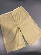 Load image into Gallery viewer, Khaki Loose Fit Dickies Shorts 36""