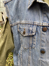 Load image into Gallery viewer, Levi's Denim Vest
