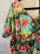 Load image into Gallery viewer, Vintage Addiction Floral Dress size 20