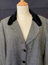 Load image into Gallery viewer, Houndstooth Coat