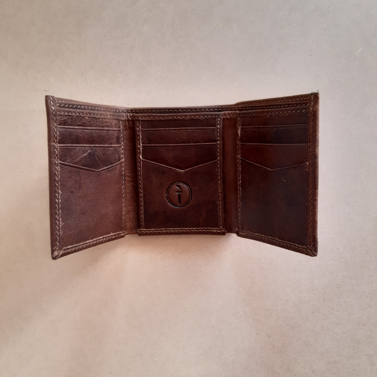 Men's Leather Trifold Wallet - Crazy Horse Tan