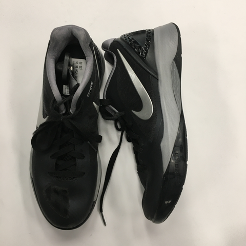 Nike Athletic Shoes Womens 9.5