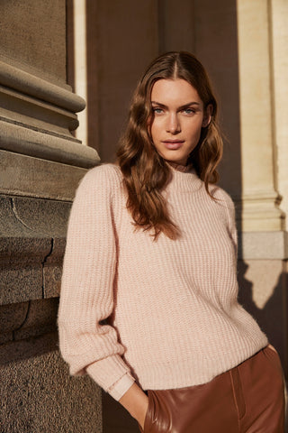 Ejla Crew Neck Sweater Cameo Rose