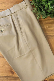 Classic Wash-and-Wear Shorts Silver or Khaki