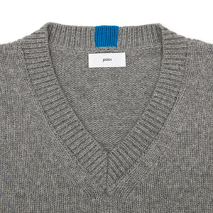 Janes - V-Neck Sweater Grey
