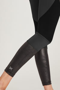Medium Compression Leggings with Flattering Mesh Streamline Panel Black S