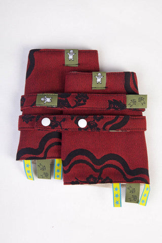 LL DROOL PADS & REACH STRAPS SET - MICO RED & BLACK - The Birth Shop