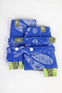 DROOL PADS & REACH STRAPS SET, (100% COTTON) - DRAGONFLY BLUE & WHITE - The Birth Shop