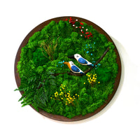 A Sapphire Tangle Moss Frame with Dark Wood